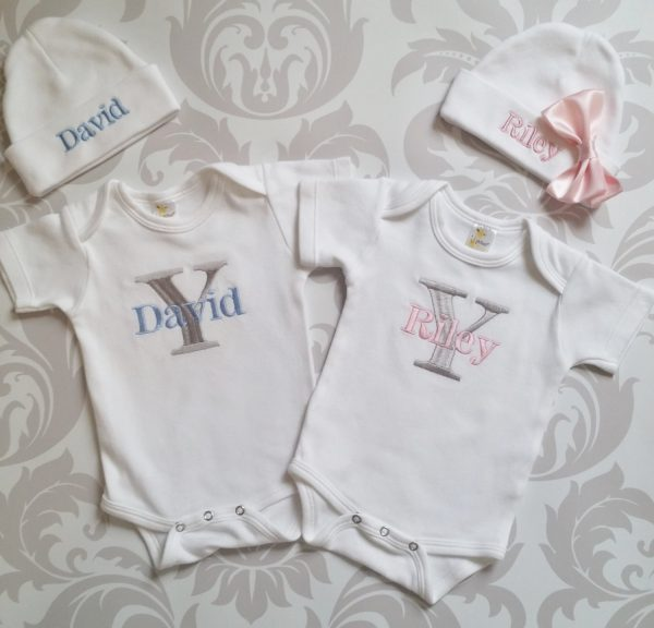 Baby Twins Coming Home Outfits Newborn Twin Girl Hats Personalized Gowns or Bodysuits and Caps with names